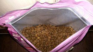 пакет с кормом акана